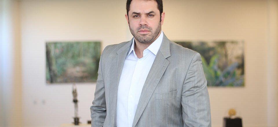 Dr. Derek Camargo o médico que está revolucionando o emagrecimento e a longevidade